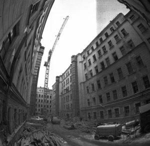 реконструкция здания будущего арт-ценртра, 1996 год.